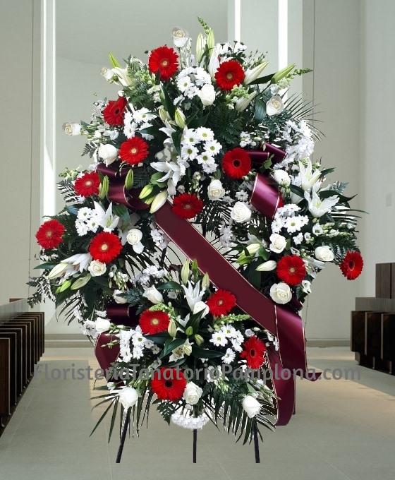 Enviar flores de condolencias para un Tanatorio en Pamplona, Coronas de rosas para Pamplona, Enviar Coronas de rosas grandes para Pamplona, Mandar flores para un funeral en Pamplona