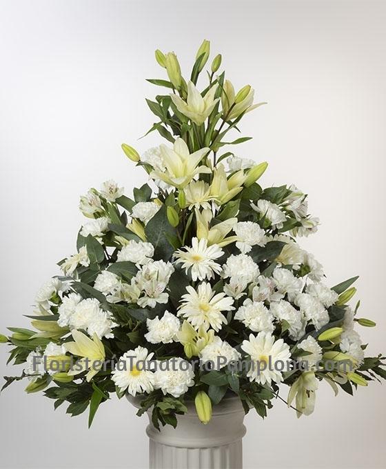 enviar centro de flores blancos para el Tanatorio de Pamplona, enviar flores urgentes para funeral en Pamplona, Floristeria Tanatorio Pamplona